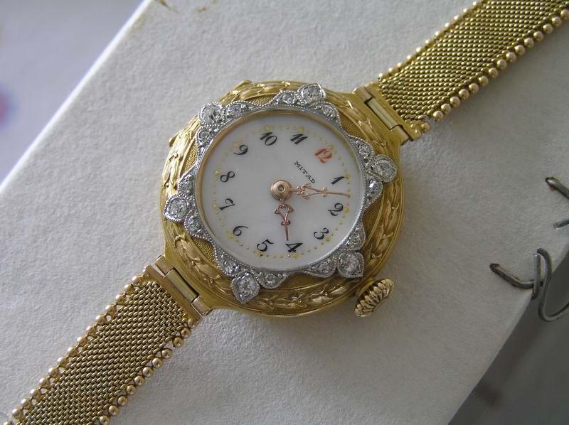 Антикварные золотые наручные часы в Дрезне. Часы хронограф