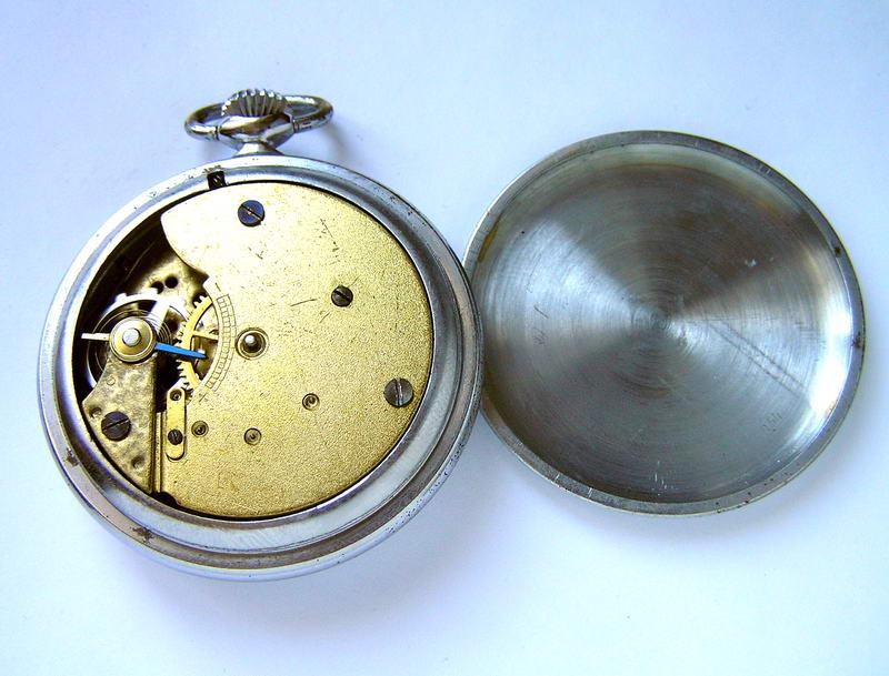 Все вопросы в личку или ватсап или звонок  часы во время великой отечественной войны имели практически такое же значение, как и оружие.