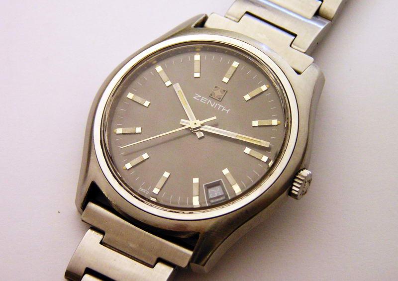 Винтажные швейцарские часы Zenith Surf калибр 2572 C d1a5151fa44