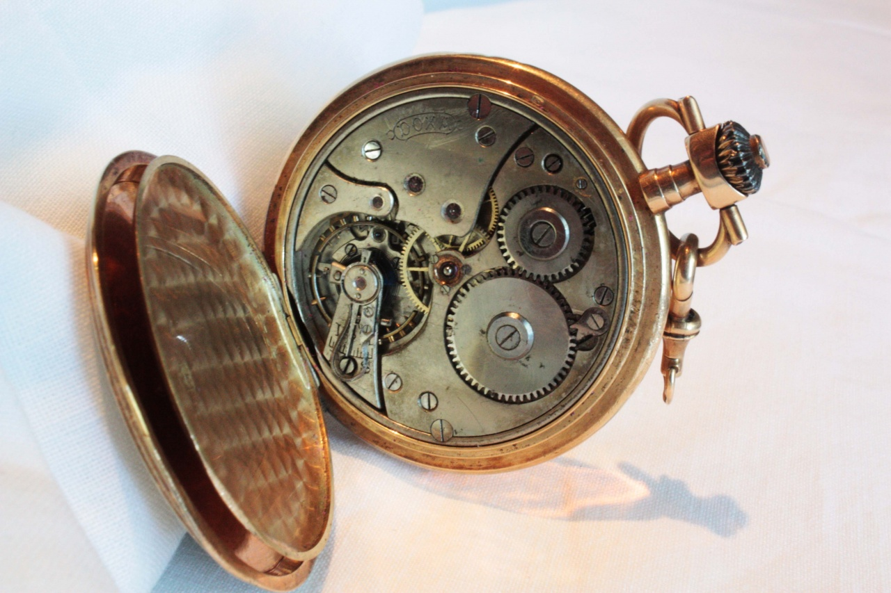 Часы где выгодно продать часы ссср продать старые наручные